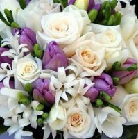 Beautiful Flowers by ShoespieReviews