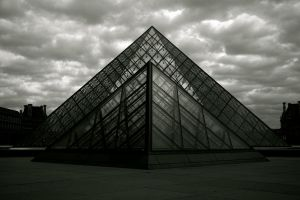 Symmetric pyramids... by jimmyvilas