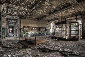 Pure Decay by stengchen