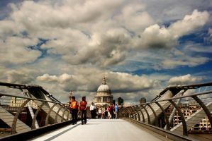 Millenium Bridge by DostorJ