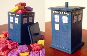 TARDIS Candy Box by Vangi