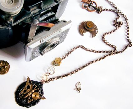 Butterfly Steampunk necklace by MarariaComplementos