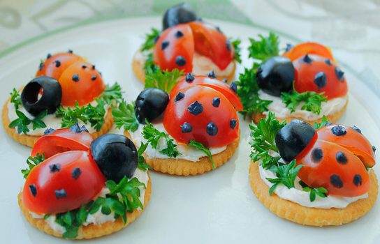 Spring Ladybug Crackers by ScarletWarmth