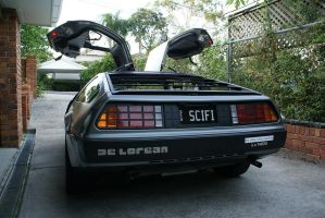 DeLorean Rear by riumplus