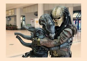 Give That Xeno Hugs, Xenos Love Hugs by PedroTpredator