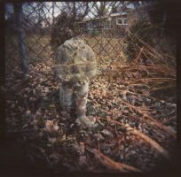 ghost statue by mutsy