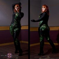 Poison ivy - Back in the Shadows by GrinningRedFox