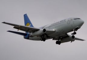 Canadian North Boeing 737-200 by shelbs2
