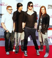 COMET_RedCarpet by tokiobsession