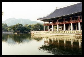 Palace Grounds 1 by einzelgaenger