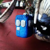 TARDIS Keychain Final by SoldaLicious