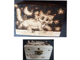 Kitty in the Night Pyrographed Box by weisewoelfin