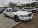 1995 Lincoln Town Car [Beater] by TR0LLHAMMEREN