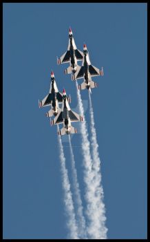09 Nellis Thunderbirds 3 by AirshowDave