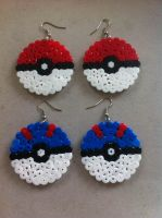 Pokeball and Great ball earrings by KreugerBlueEyes