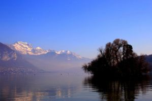 Lac d'Annecy by 3lfprince