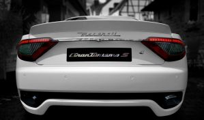 Rear end by RaynePhotography