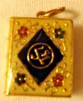 Pendant 17 by 3-sisters-stock