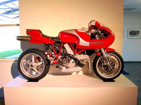Ducati Mike Hailwood MH900 by Partywave