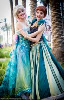 Frozen Elsa and Anna Cosplay at WonderCon 2015 by glimmerwood