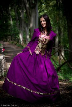 Victorian purple - thanx to www.cosplaysky.com by ale-sensee