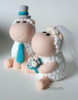 Sheep cake topper by fliepsiebieps