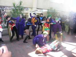 Otakon 2012 - Joker Beating Up Robins by mugiwaraJM