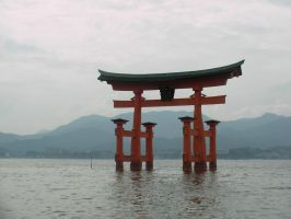 Itsukushima Shrine by TigerloverM