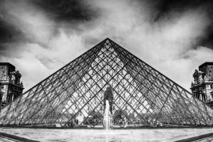 Louvre Pyramid by thegreatmisto