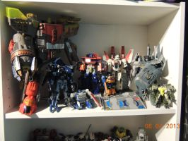 Omega Supreme is HUGE by forever-at-peace