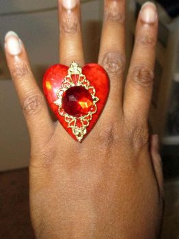 Queen of Hearts ring by ladyryu