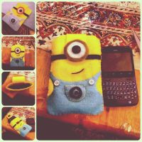 DIY Minion Phone case/ Pouch by teyyyerrrsss