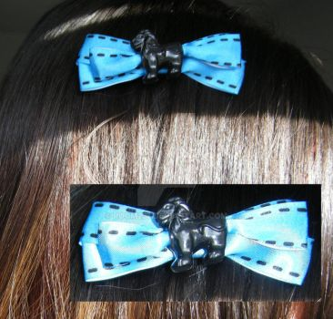 Lion Hair Bow by room237