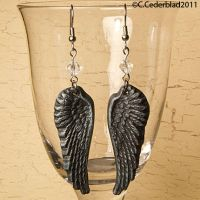 Black wings earrings by skuggsida