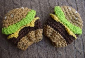 Crochet cheeseburger mittens by meekssandygirl