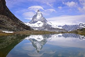 The reflection of Matterhorn in Riffelsee by ageratum00