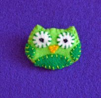 Green Lucky Owl Pin by alicetwasbrillig