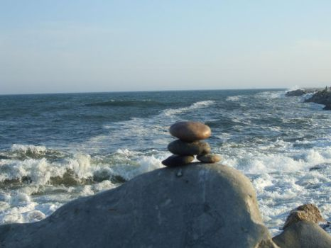 inuksuk by the water by hahafunny827