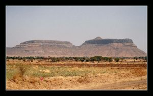 Small Mountains in South India by SoFtDudE