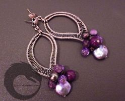 Violets and Black Pearls by oribi