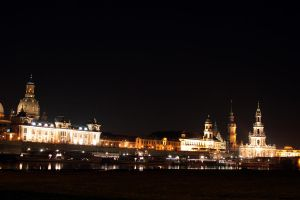 Dresden at night by fairytale-gone-bad