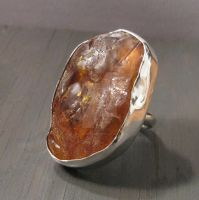 Raw Amber ring by Jealousydesign