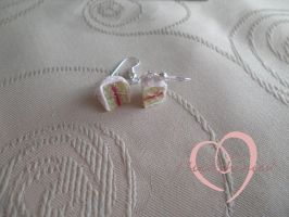 Vanilla sponge cake earrings by ilikeshiniesfakery