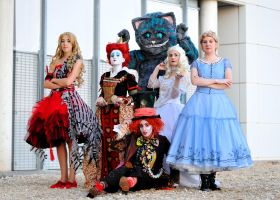 Tim Burton's Alice in Wonderland team by lilie-morhiril