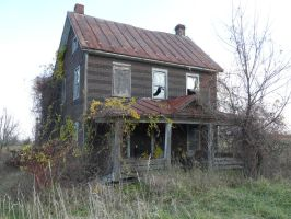 Old Farmhouse by ecfield