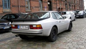 Porsche 944 [updated] by someoneabletofindana
