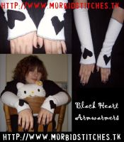 Black Heart Armwarmers by kawaii-explosion