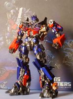 Revoltech DOTM Optimus 001 by WildMagnus