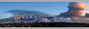 Sandia Mountains, Albuquerque, New Mexico by kimjew