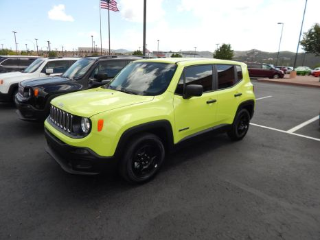 2017 Jeep Renegade Sport by TheHunteroftheUndead